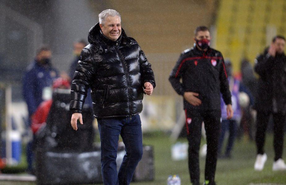 Marius Şumudică, în timpul unui meci