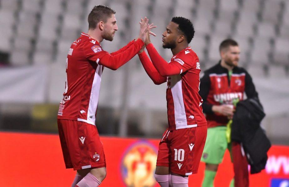 """Moment uluitor la Dinamo! I-au lipit o cruce pe uşă lui Gevaro Nepomuceno. """"Rest in peace!"""" Jucătorii au fost imediat pedepsiţi. Prima reacţia a clubului"""
