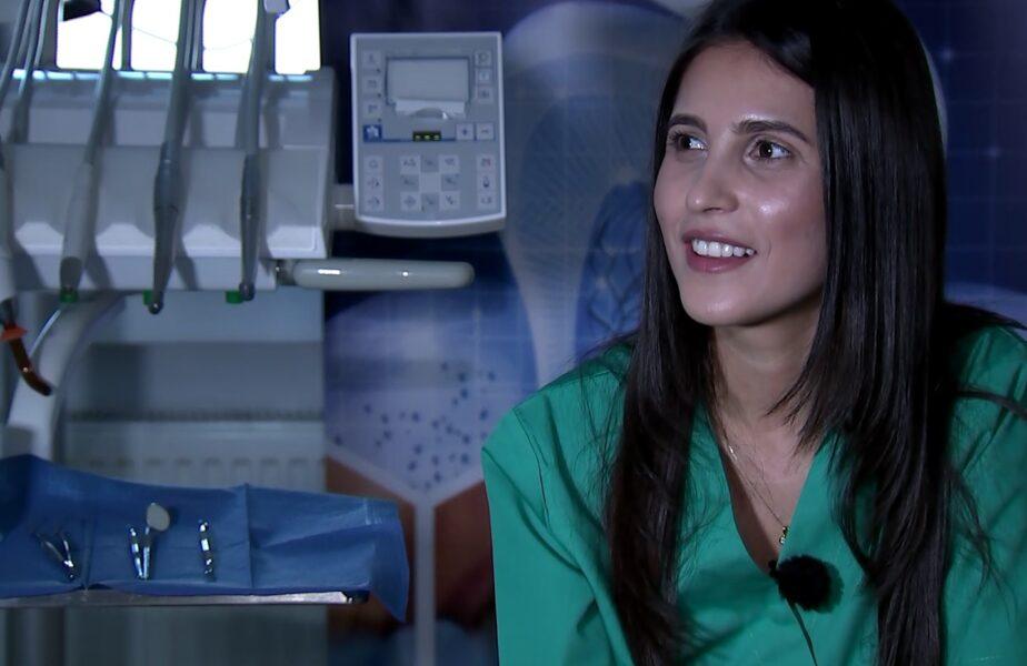 VIDEO EXCLUSIV | Cristina Tănase lucrează la clinica lui Gigi Becali și le face zâmbete de campioni jucătorilor de la FCSB! Florin Tănase a încurajat-o să se facă medic stomatolog