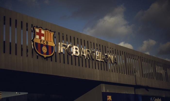 UPDATE Alegeri Barcelona   Joan Laporta va fi din nou preşedinte pe Camp Nou. Imagini inedite cu cei trei candidaţi. Lionel Messi, printre cei care au votat