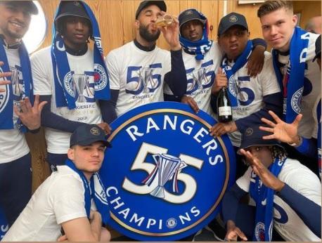 Ianis Hagi a scos şampania de la rece! Rangers e campioană după 10 ani. Cum sărbătoreşte internaţionalul român primul titlu din carieră