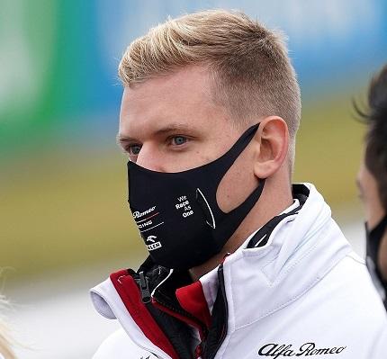 """""""M-am speriat! Nu ştiam ce se întâmplă!"""" Momente de panică pentru fiul lui Michael Schumacher, la scurt timp după ce a făcut un anunţ istoric despre tatăl său"""