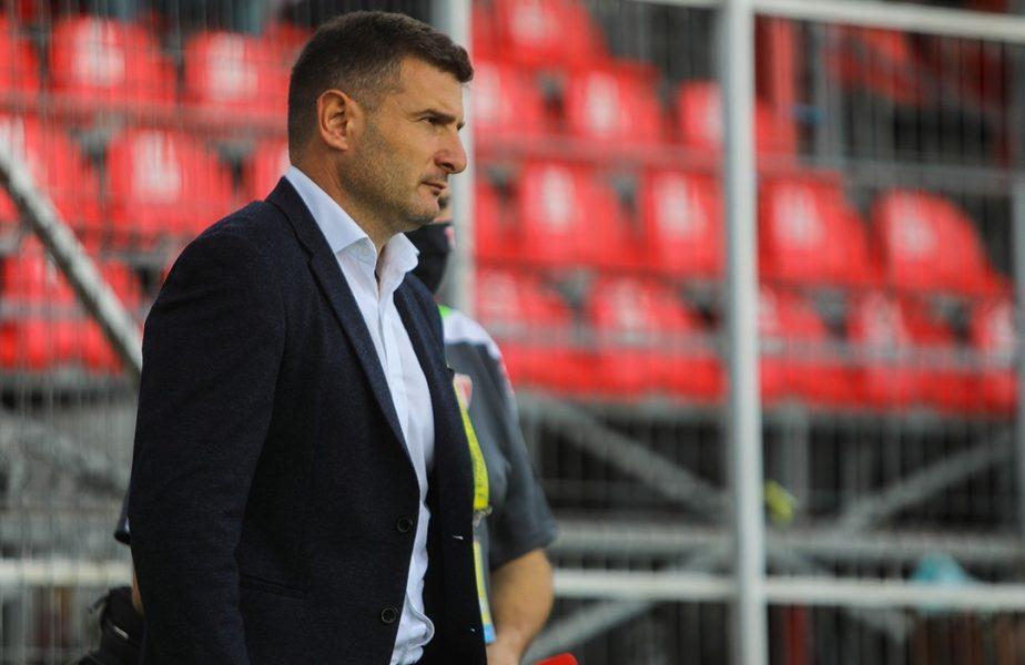"""""""Dacă mergem ca mielul la tăiat, îmi tai carnetul de antrenor!"""" Laszlo Balint a luat foc după Universitatea Craiova – UTA Arad 2-0"""