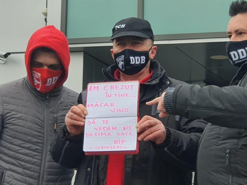 """""""RIP 'Cortazero'!"""" Fanii dinamovişti, mesaje macabre pentru Pablo Cortacero: """"Măcar vino să te vedem pentru ultima dată!"""""""