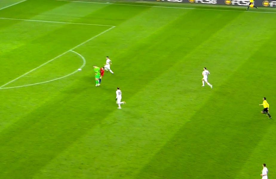 FCSB – CFR Cluj | Arlauskis, revenire de coşmar. A fost eliminat în minutul 40. Octavian Popescu, luat pe sus de portarul campioanei