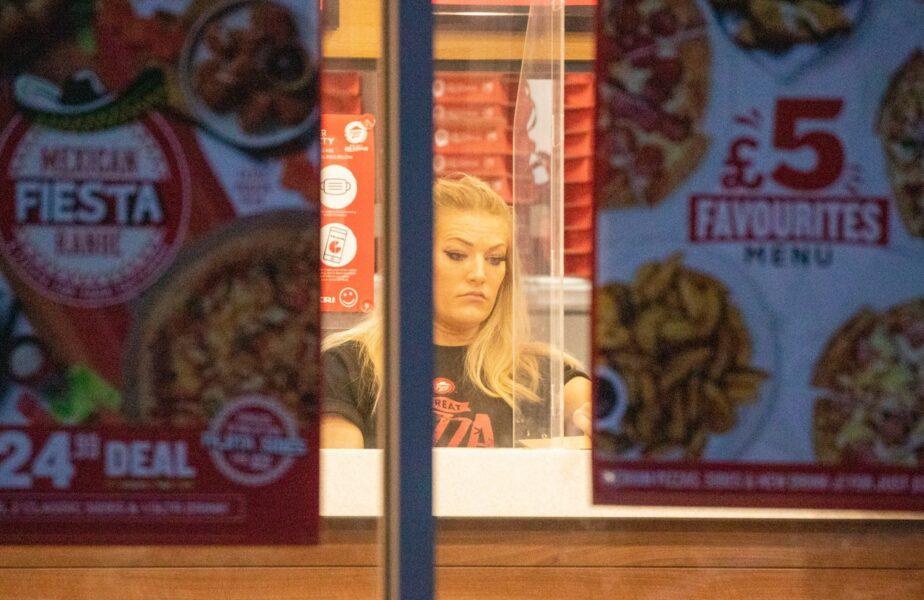Dubla campioană mondială împarte pizza pentru a putea ajunge la Olimpiadă. 9.000.000 de euro s-au evaporat!