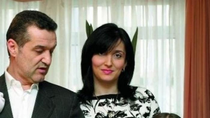 Primele imagini cu Maria, nepoata lui Gigi Becali care a primit un cadou uriaş la nastere. Apariţie rară şi a Luminiţei Becali, soţia omului de afaceri
