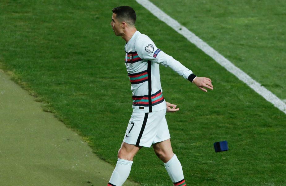 Cristiano Ronaldo şi-a ieşit din minţi. A aruncat banderola de căpitan a Portugaliei şi a ieşit de pe teren mai devreme. A fost furat la ultima fază a meciului Serbia – Portugalia 2-2