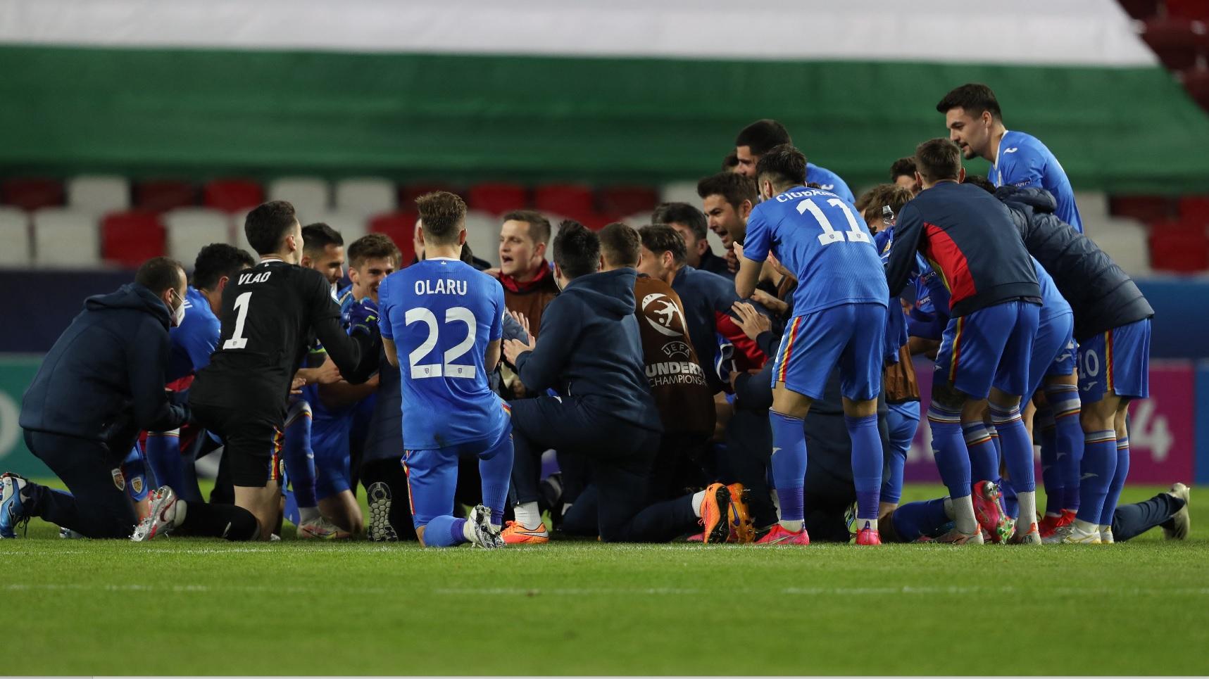 Jucătorii României U21 sărbătoresc victoria cu Ungaria U21, 2-1