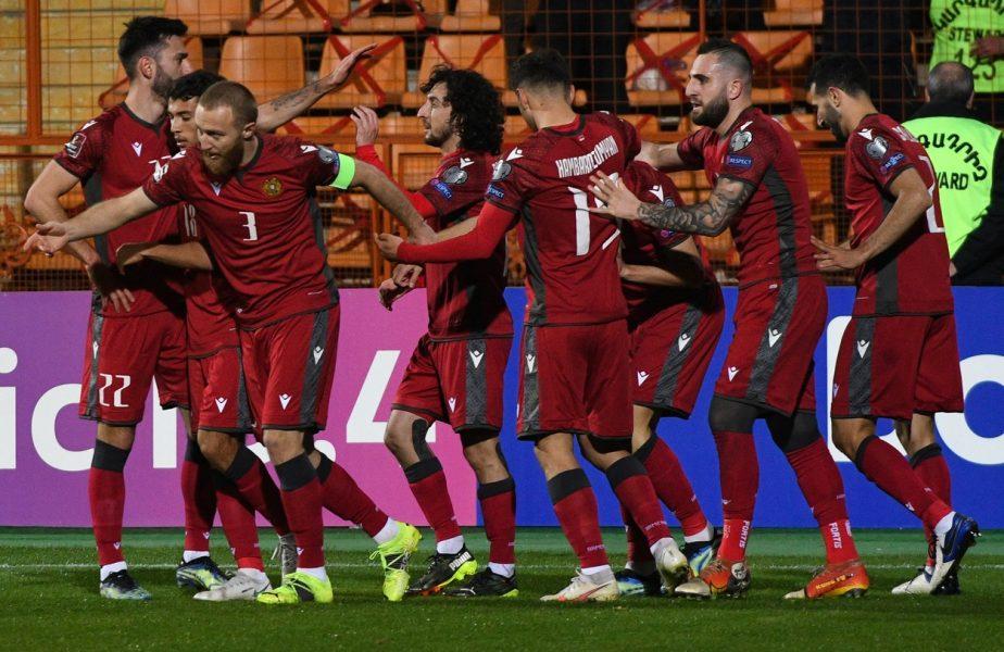 Arbitrul ne-a măcelărit! Gol validat pentru armeni după un ofsaid clar şi penalty acordat. Puşcaş, eliminat direct