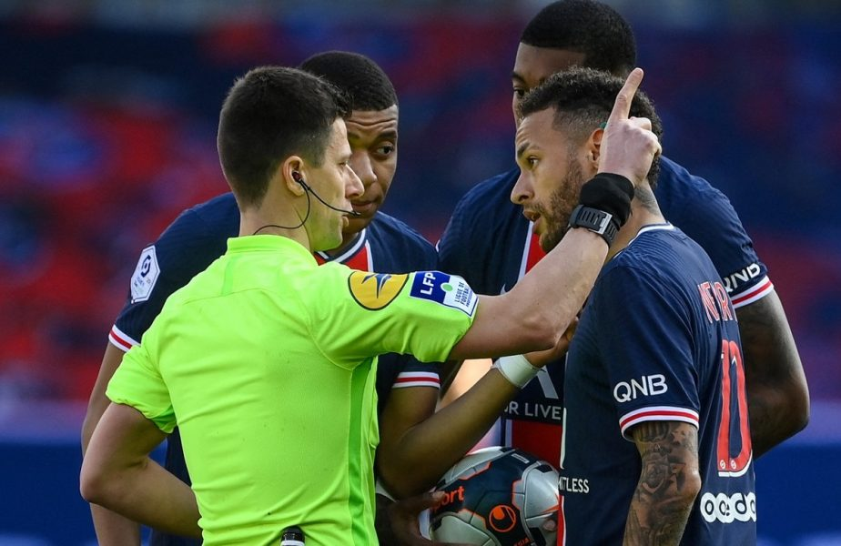 Meciurile zilei | Dennis Man, gol în Benevento-Parma 2-2. Neymar, eliminat în PSG-Lille 0-1. Derby în Germania, Leipzig-Bayern 0-1. Show în Arsenal-Liverpool 0-3