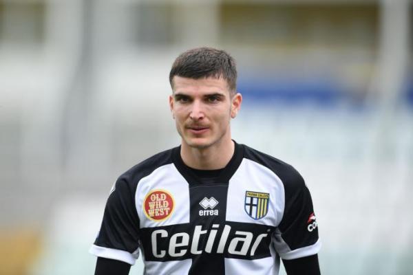 Valentin Mihăilă s-a accidentat! Probleme la ultimul antrenament de la Parma. Ce se întâmplă cu atacantul român