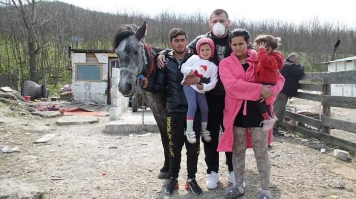 Unde a ajuns să locuiască Sergiu, tânărul care şi-a vândut casa primită de la Cătălin Moroșanu unor interlopi. S-a întors în ghetou într-o casă netencuită, fără gaze, curent electric şi toaletă