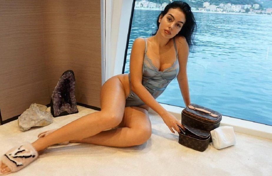Georgina Rodriguez a încins din nou internetul. Iubita lui Cristiano Ronaldo, imagine virală în costum de baie!