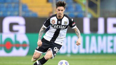 """""""La Parma izbucnește cazul Dennis Man!"""" Scandalul fără sfârșit dintre internaționalul român și Anamaria Prodan ține capul de afiș în presa din Italia"""