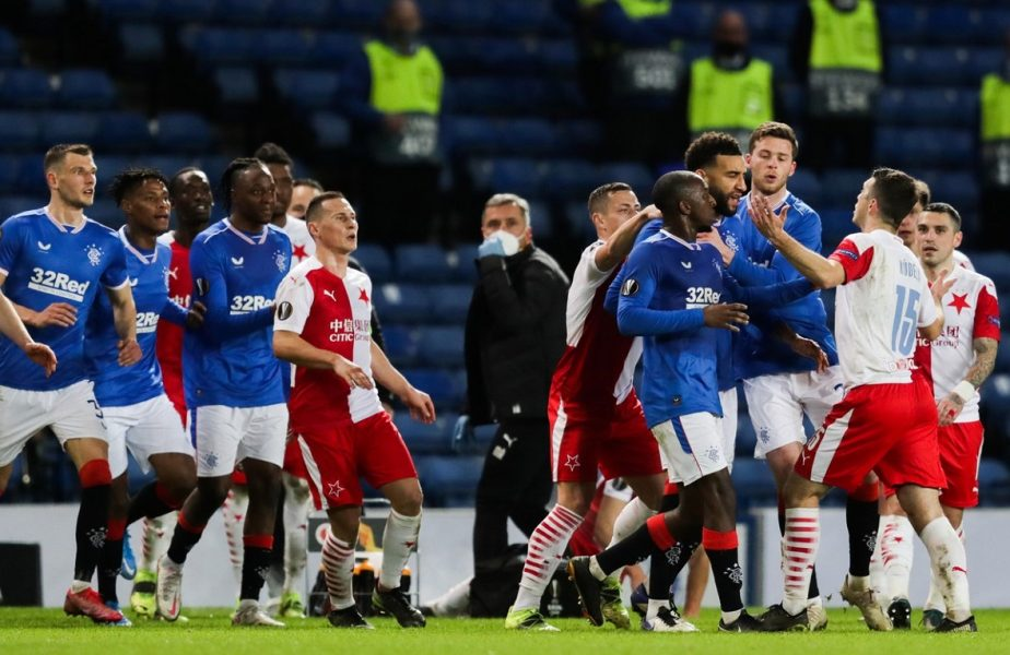 UEFA, suspendări drastice după cazul de rasism din meciul Rangers – Slavia Praga. Coechipierul lui Stanciu, Ondrej Kudela, va avea de suferit!