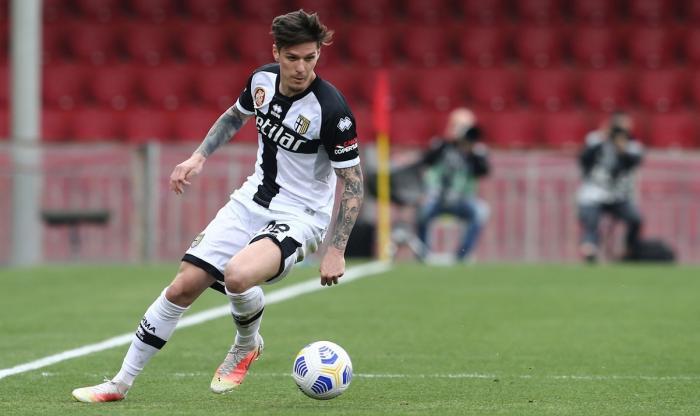 Dennis Man şi Răzvan Marin, spectacol total în Serie A. Goluri de senzaţie marcate de români în Cagliari – Parma 4-3. Italienii, la picioarele celor doi