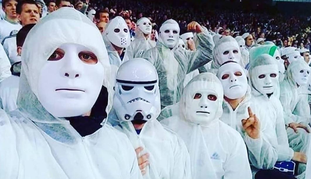 Utraşii lui Dinamo Kiev, în timpul unui meci