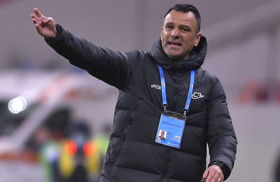 """Toni Petrea a dezvăluit ce aşteptări are de la derby-ul CFR Cluj – Universitatea Craiova. """"Dacă se întâmplă asta, vom avea parte de un play-off mult mai disputat!"""""""