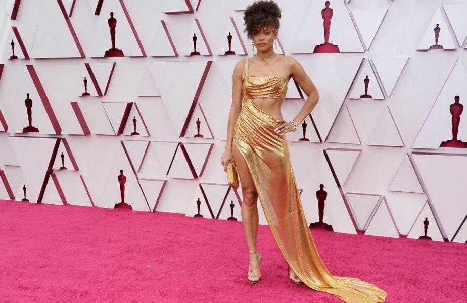 Apariţie de două milioane de dolari la gala premiilor Oscar. Ajutor de la vedeta de 71 de ani, care arată ca o adolescentă