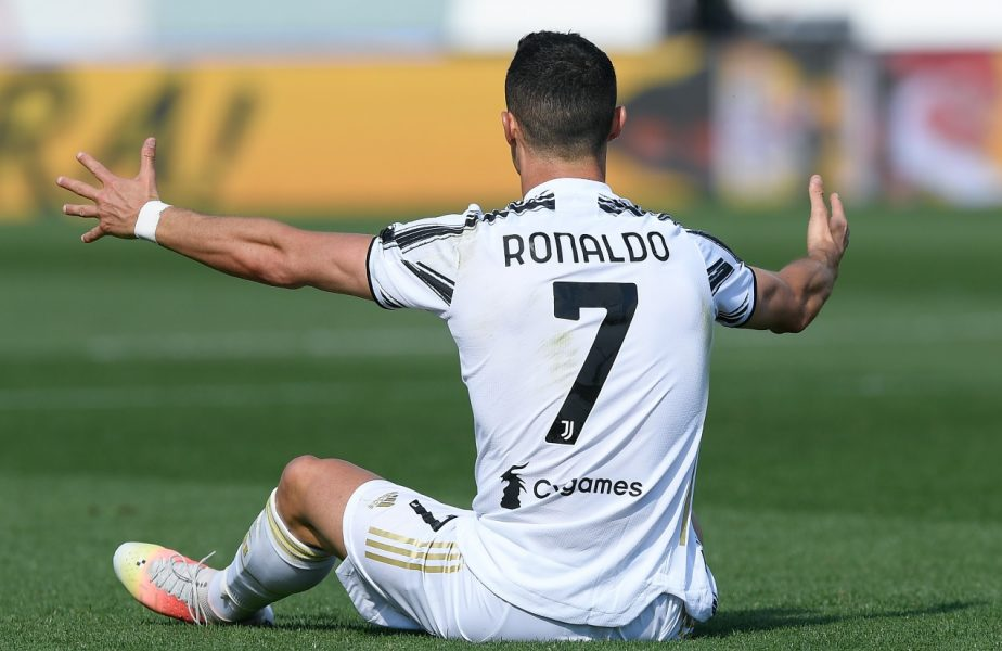 """Cristiano Ronaldo, aproape de plecarea de la Juventus! """"Viitorul lui atârnă de un fir de aţă"""". Final de sezon infernal pentru bianconeri"""