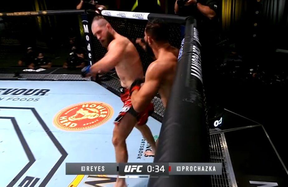 VIDEO – Unul dintre cele mai spectaculoase KO-uri din istorie a fost reușit în această dimineață în UFC!