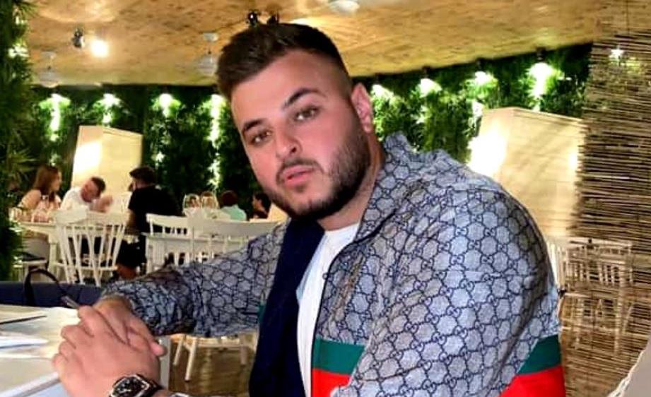 Adrian Mititelu Jr a uitat de pandemie! A comandat într-un club de fiţe din Mamaia cea mai scumpă şampanie. I-a fost adusă pe imnul Champions League
