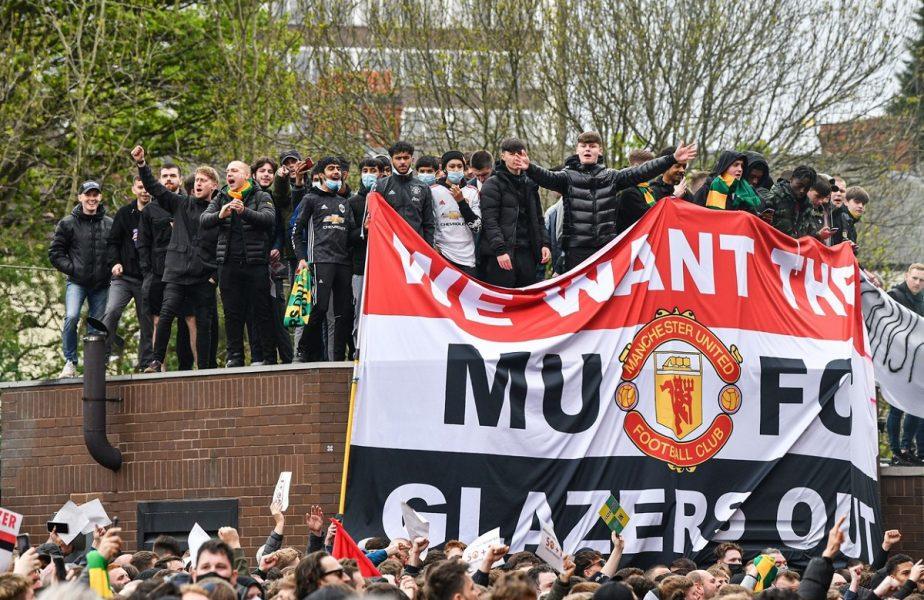 """Manchester United, după faptă şi răsplată! Ce riscă clubul în urma haosului creat de ultraşi. Legendarul Gary Neville, previziune sumbră: """"E doar începutul, vă garantez!"""""""
