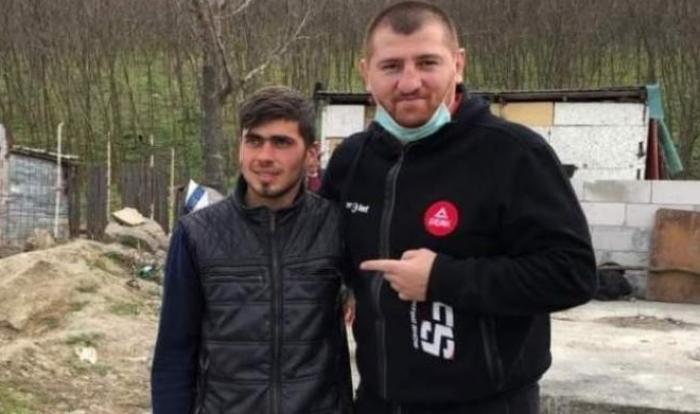 """Cătălin Moroşanu, pregătit să îl înfrunte pe Sergiu, """"călăreţul"""" care a vândut unor interlopi casa primită din donaţii. """"L-am luat din mahala, mi-e milă de copiii lui!"""""""