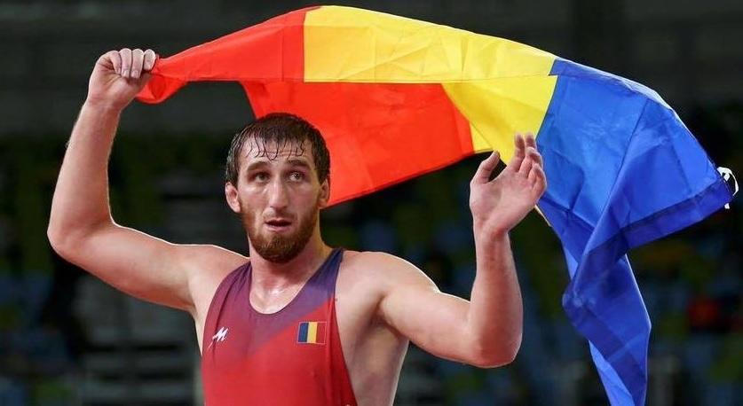 News Alert | Albert Saritov s-a calificat la Jocurile Olimpice! Luptătorul luptă pentru aur la Sofia