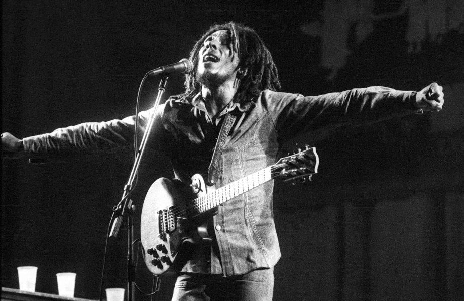 """Bob Marley: """"Tu nu-mi tai degetul! Fotbalul înseamnă libertate!"""" A murit regele reggae ucis de…minge?"""