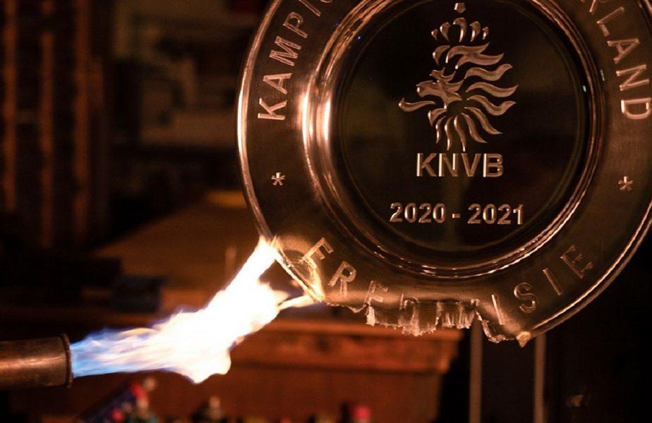 """Ajax, decizie istorică! Lăncierii au topit al 35-lea titlu de campioană şi l-au transformat în 42.000 de """"cadouri"""" pentru fani VIDEO"""