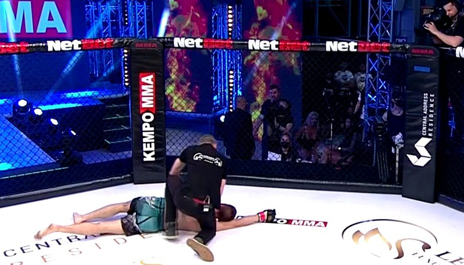 VIDEO | Pumni fără număr şi mult sânge la iFight Heroes de la Antena 1 ! Cele mai tari KO-uri din super-gala de MMA