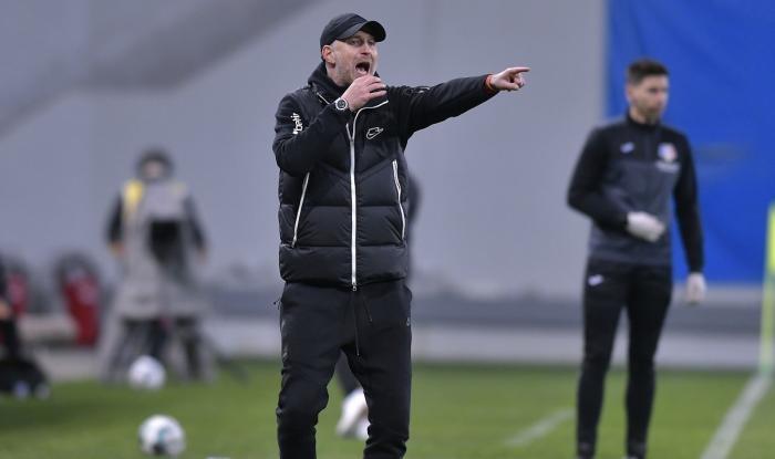 Iordănescu se teme de blaturi in lupta pentru titlu