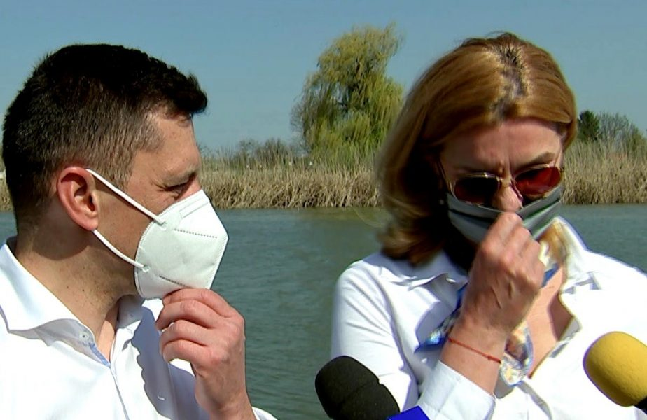 Eduard Novak, show cu Elisabeta Lipă în barcă