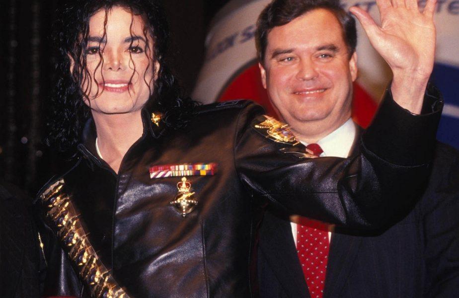 Peste 200 de copii au dansat pe o melodie a lui Michael Jackson