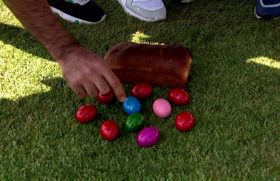 Handbaliştii de la Dinamo au făcut concurs de ciocnit ouă direct pe gazon