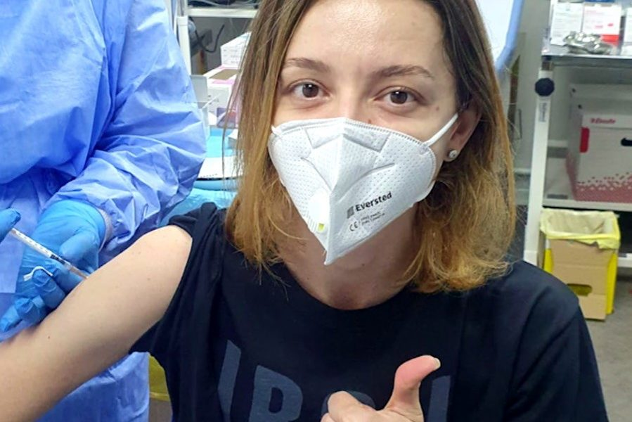 Ana Maria Brânză a primit cadou un vaccin!
