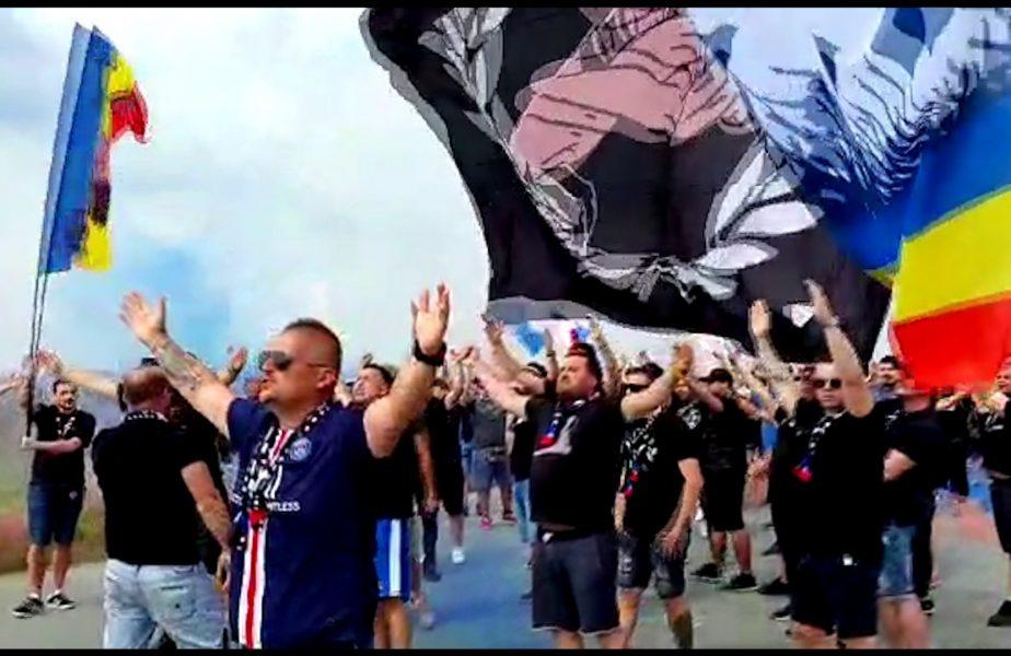 Spectacol cu torte si fumigene dat de fani la plecarea FCSB spre Cluj