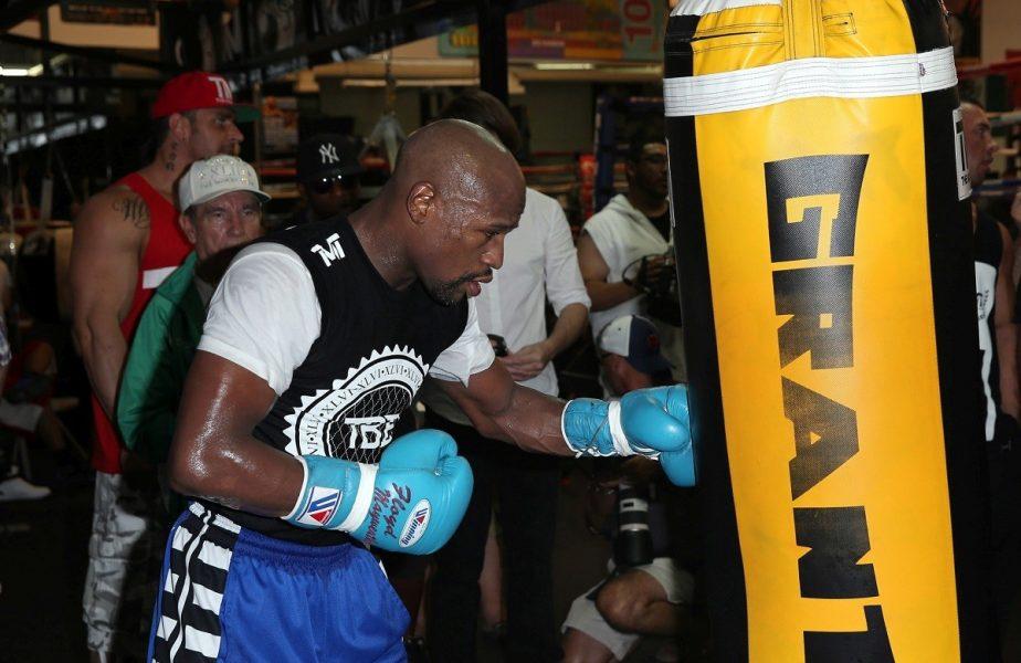 Greii boxului, Mayweather şi Tyson, vor sa revină în ring