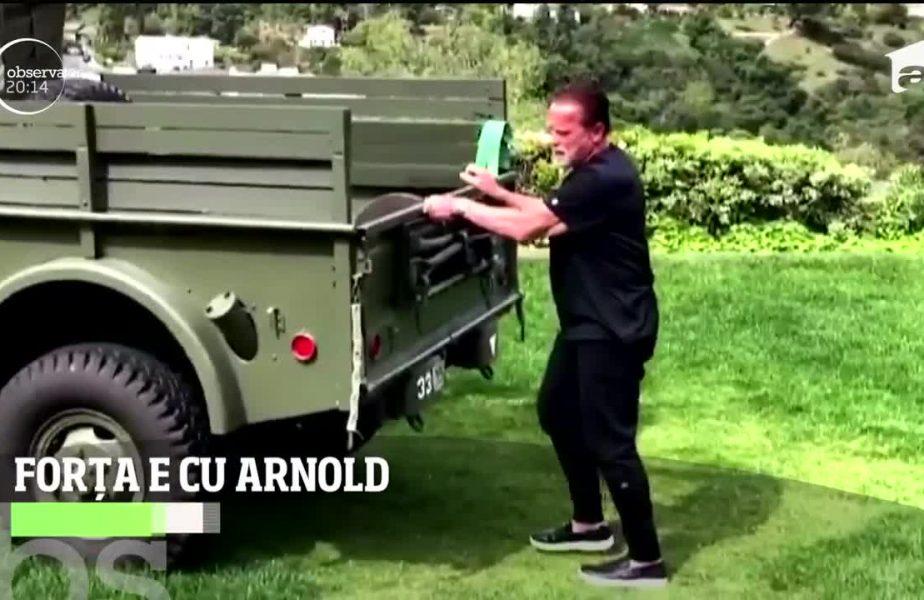 Arnold se distrează cu halterele și la 72 de ani
