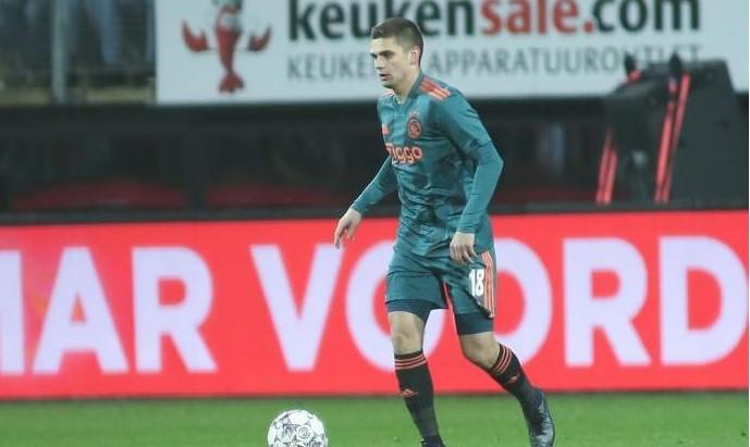 Răzvan Marin a așteptat 24 de ore ca să intre în țară