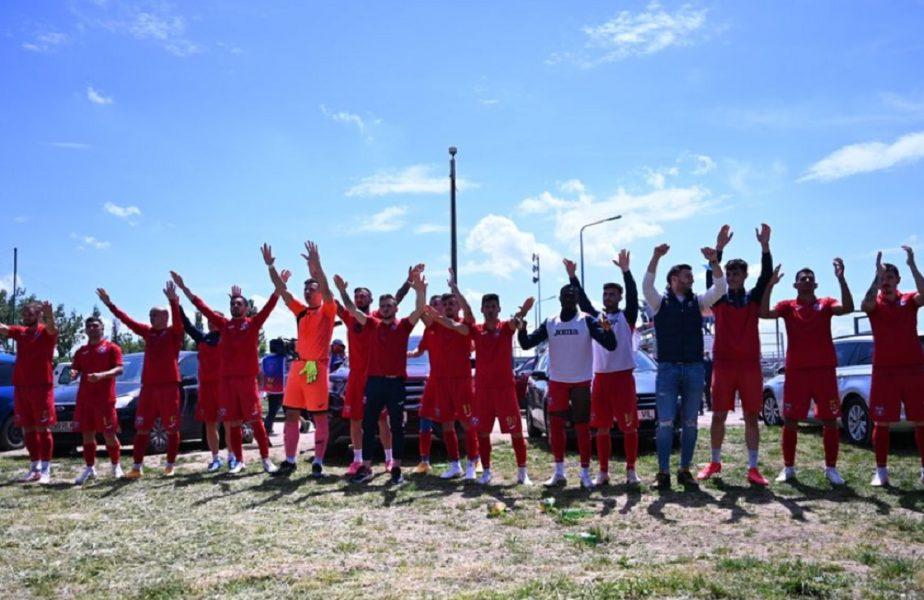 Sărbătoare la CSA Steaua! Jucătorii lui Oprița s-au bucurat alături de fani după victoria cu Mostiștea Ulmu. Ultrașii l-au înjurat pe Gigi Becali