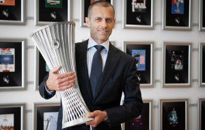 UEFA a prezentat oficial trofeul Conference League