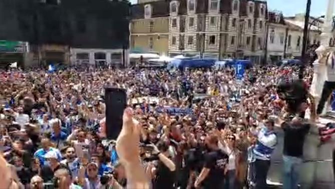 3.000 de fani ai Universităţii Craiova au sărbătorit alături de echipă / Captură Facebook Universitatea Craiova