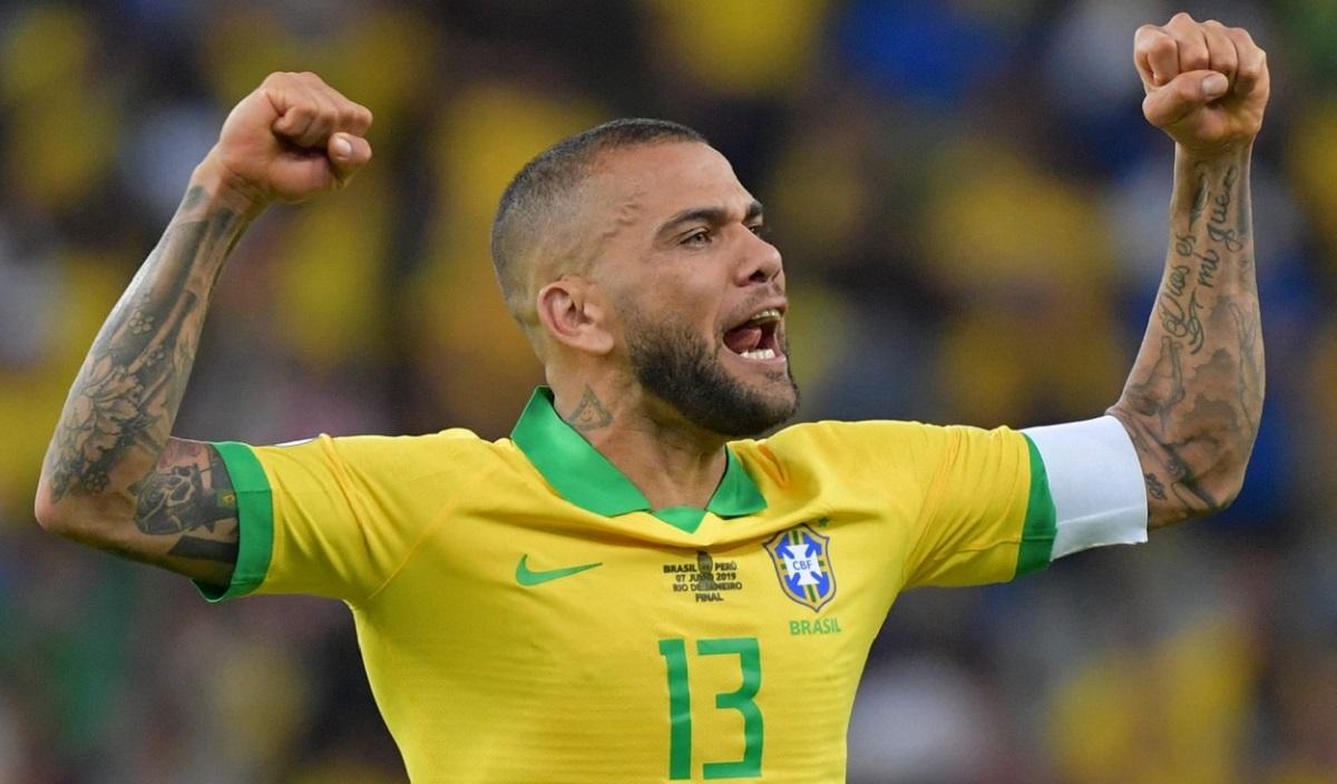 Dani Alves, înapoi la națională