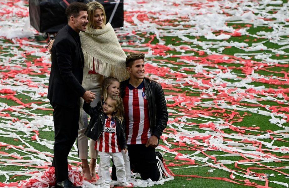 """VIDEO. Diego Simeone, imagini memorabile! A cântat cu fiicele sale imnul lui Atletico Madrid. """"Ce suntem noi? / O echipă!"""""""
