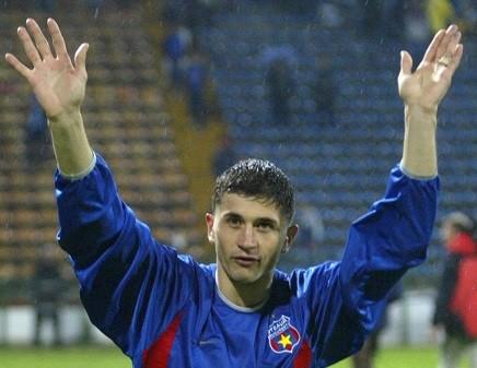 EXCLUSIV   Claudiu Răducanu e în pas cu moda! S-a apucat de sportul – fiţă al oltenilor! Provocarea pentru Simona Halep
