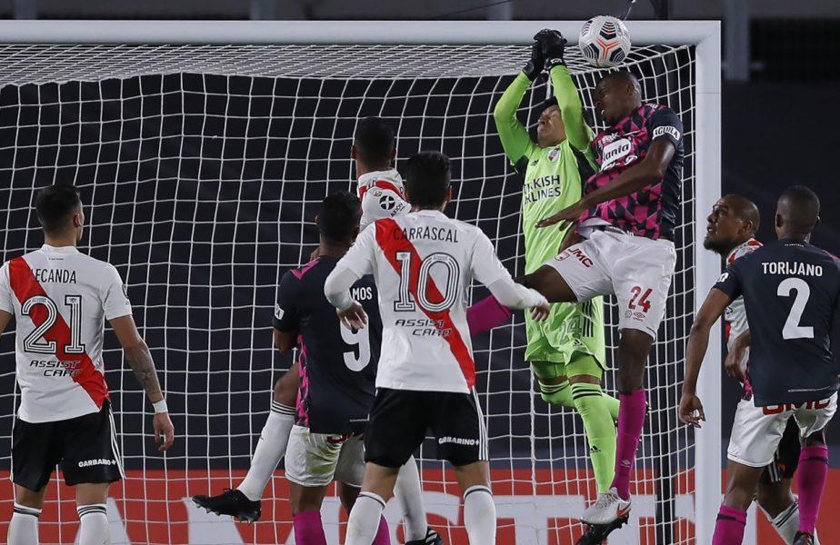 River Plate, victorie uluitoare în Copa Libertadores! A avut un jucător de câmp accidentat în poartă pe tot parcusul partidei! A fost declarat omul meciului