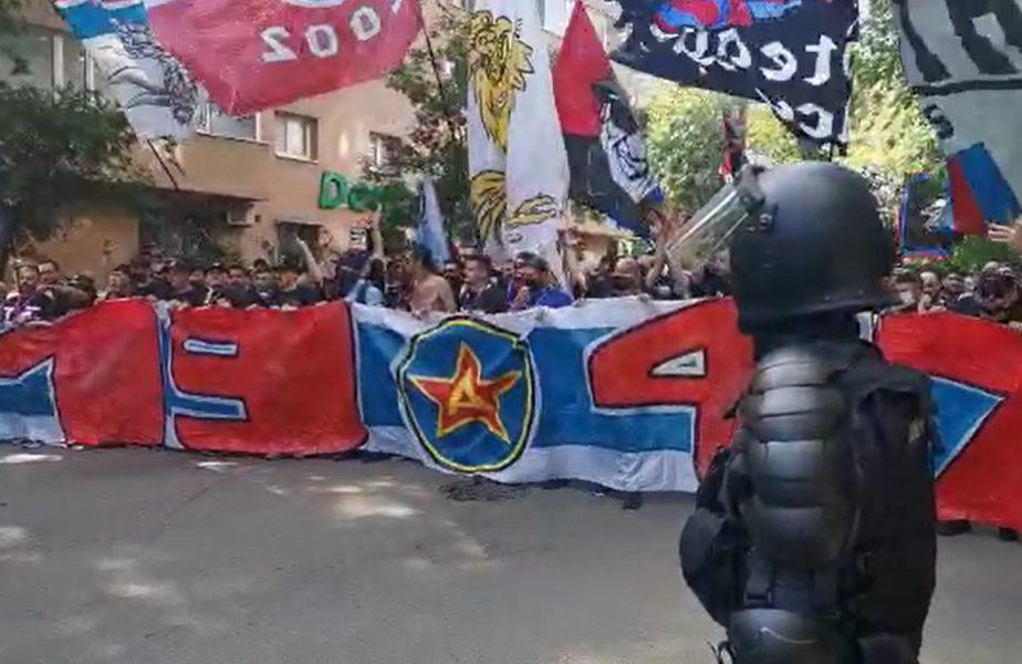CSA Steaua - CS Afumați, fanii roş-albaştrilor în drum spre stadion